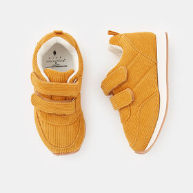 everyday sneaker, size 6 - Yellow
